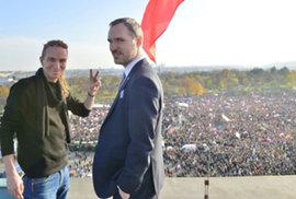 Primátor Prahy sledoval demonstraci ze střechy. Letnou nemáme v plánu ničím zastavět, řekl Hřib