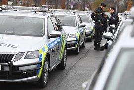 Výsluhy škodí nejen policii a celníkům, ale i celé společnosti. Navyšme platy těm,…