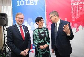 Zástupci opozičních pravicových stran během sněmu TOP 09 hojně diskutovali o spolupráci (23. 11. 2019)