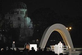 Papež v Nagasaki vyzval k likvidaci jaderných zbraní, ty podle něj navozují jen…