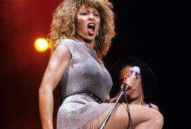 Rocková babička Tina Turner slaví 80. narozeniny. Za svoji kariéru prodala přes 200…