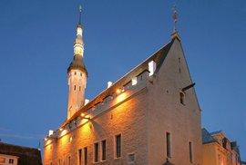 Budova radnice ze 14. století, jejíž dnešní podoba je z roku 1404 a je to jedna z nejstarších radnic na světě.