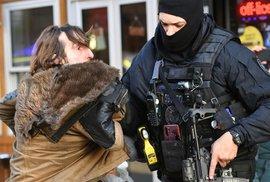 Teroristický útok v Londýně. Útočník zranil několik lidí, policie ho zastřelila