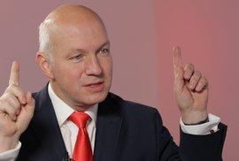 Fischer: Zeman je mluvčí miliardářů, Čína drží lidi na orgány a dostává se do srdce…