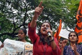 Protesty proti znásilňování a sexuálnímu násilí v Indii.