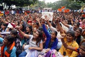 Indie přiostřuje v boji se sexuálním násilím: V části země bude možné usvědčené ze…