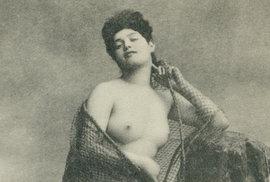 Unikátní fotogalerie z historických nevěstinců v 19. století