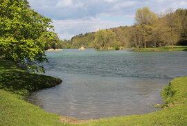 Přilehlý park vznikl zhruba na přelomu 18. a 19. století, a i on je chráněnou kulturní památkou