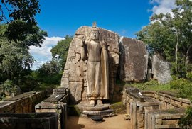 Nejkrásnější socha Buddhy na Šrí Lance je výsledkem soutěže mezi sochařským mistrem…