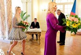 Loňský novoroční oběd prezidenta Miloše Zemana s manželkou Ivanou a dcerou Kateřinou a premiéra Andreje Babiše s manželkou Monikou, dcerou Vivien a synem Frederikem 5. ledna 2020 na zámku v Lánech.