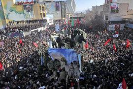 Dav ušlapal 50 lidí na pohřbu Solejmáního v jeho rodném městě