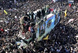 Pohřeb generála Solejmáního v íránském Kermanu (7.1.2020).