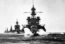Bitevní lodě americké armády Pennsylvania and Colorado.