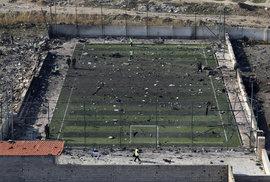 Záběry z místa letecké havárii u Teheránu.