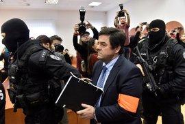 Od prvních hodin procesu s obviněnými z vraždy Kuciaka a Kušnírové je jasné, že boj…