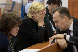 Matka Martiny Kušnírové Zlatica před soudem neudržela slzy