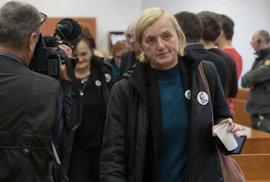 Zlatica Kušnírová u soudu.