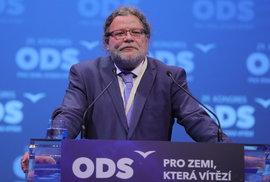 29. kongres ODS: Europoslanec a exministr obrany Alexandr Vondra vysvětluje, proč se neujme postu 1. místopředsedy strany (18.1.2020)