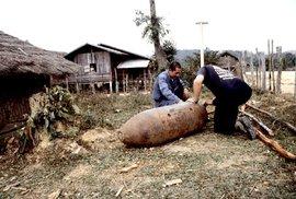 Lidová tvořivost Laosanů: Bizarní architektura i věci každodenní potřeby z nevybuchlých bomb
