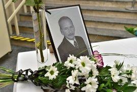 Zeman udělí zesnulému Kuberovi nejvyšší státní vyznamenání – Řád bílého lva