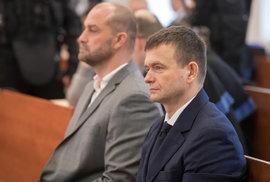 Slovenský podnikatel a spolumajitel finanční skupiny Penta Jaroslav Haščák u soudu s údajnými vrahy Jána Kuciaka 20. ledna 2020.