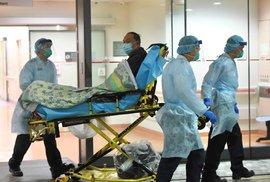Počet nemocných nebezpečným koronavirem v Číně stále stoupá.