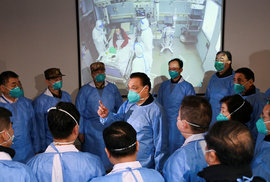 Čínský premiér Li Keqiang na inspekci ve Wu-chanu (27.1.2020)