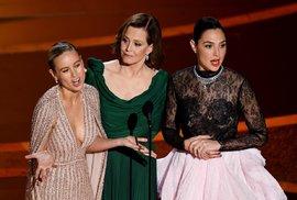 Brie Larson, Sigourney Weaver a Gal Gadot