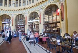 Kavárna Coffee Day na hlavním nádraží v Praze