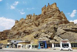 Pevnost Hošap kdysi chránila jak obchodní cesty, tak osmansko- -perské příhraničí