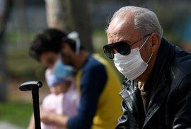 Koho ve skutečnosti ohrožuje koronavirus? Pacienty starší 70 let i ty se slabým srdcem či cukrovkou