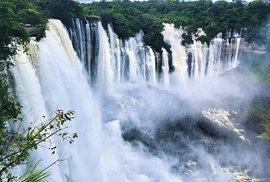 Quedas de Calandula na řece Lucala, druhé největší vodopády v Africe
