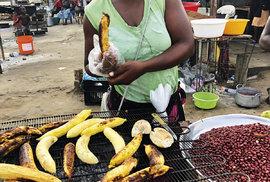 Prodej grilovaných banánů