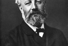 """""""Jsem z generace směstnané mezi dva génie, Stephensona a Edisona,"""" řekl o sobě Jules Verne."""