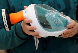 Šnorchlovací masky jako ochrana proti koronaviru.