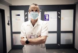 Celá Evropa se učí od Itálie, říká lékař a přednosta intenzivní péče Jan Bláha