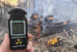 Radiace 16krát vyšší než obvykle. Kontaminovanou zónu u Černobylu sužují požáry