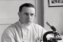 Epidemiolog Karel Raška vypracoval koncepci epidemiologické bdělosti, kterou v roce 1968 WHO přijala jako jednu ze základních metod veřejného zdravotnictví.