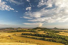Nádhernou krajinou přes vrcholky a kopce aneb Zaimpozantními výhledy do Českého …
