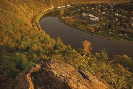 Nevšední zážitek? Svítání na vrchu Řivnáč! Není lepší místo na ranní kávu.