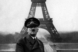 Adolf Hitler a Eifelova věž. Před 80 lety nacisté dobyli Paříž a vznikly legendární …