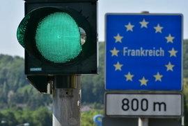 Přehledně: Pravidla cestování do zahraničí nejen podle semaforu. Kde Česko zařadili…