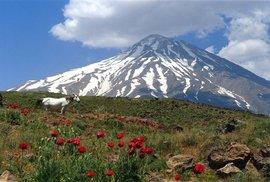 Na návštěvě v sídle perských bohů aneb Výstup na mytickou horu Demávend, nejvyšší vrchol Íránu