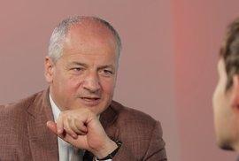 Prymula: Epidemie vesele pokracuje, byl bych teď tvrdší, Maďar není odborník. Nabídli mi vstup do politiky