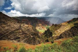Do kaňonu Waimea přichází déšť