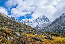 """Nelegální cesta do východního Tibetu aneb Stopem a bez povolení po """"střeše světa"""""""