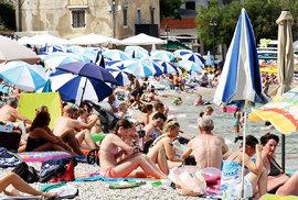 Jet, či nejet do Chorvatska? Volba dovolené se letos u nás stala věcí téměř politického názoru