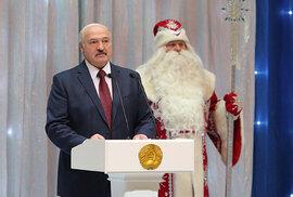 Alexandr Lukašenko ve všech možných podobách.