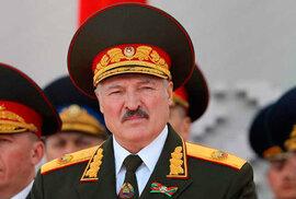 30 fotografií bizarního běloruského diktátora Alexandra Lukašenka. Jako v Severní Koreji
