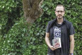 Na jazyky nemám talent, říká etnolingvista a spisovatel Miroslav Černý